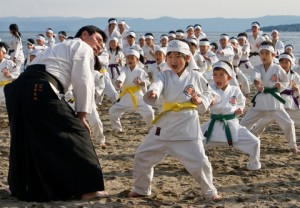 Teaching a large martial arts class using a rotating curriculum